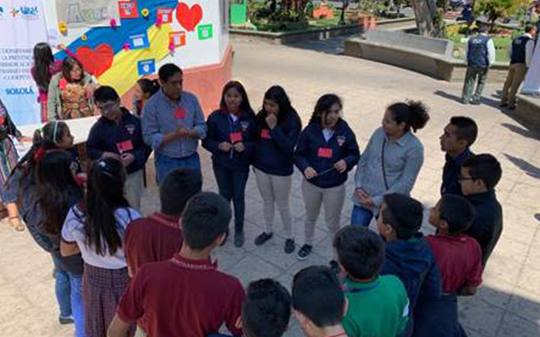 El Centro de Desarrollo Integral, CDI Semilla, de PAMI, participa en la celebración del día de la no violencia contra la niñez, en Sololá