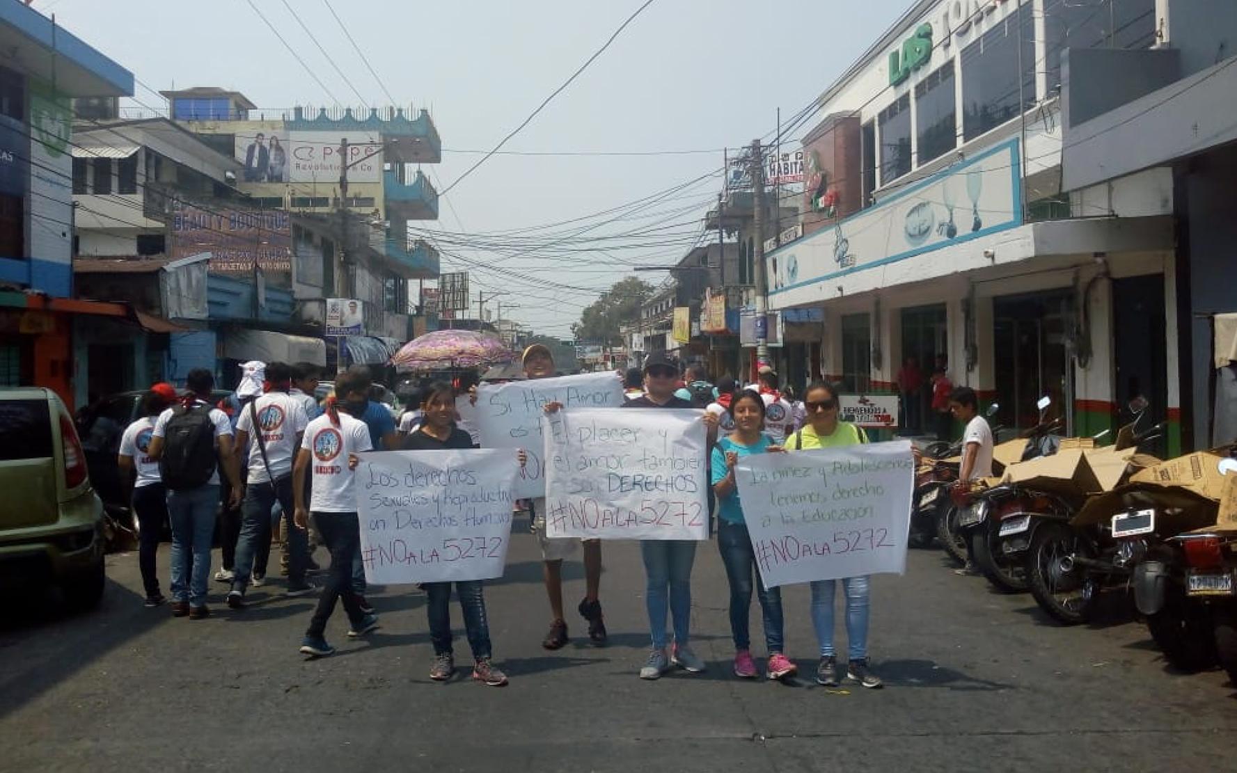 Organizaciones juveniles de Mazatenango, Suchitepéquez participan en marcha del 1 de mayo