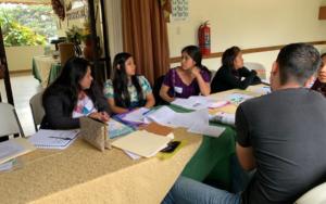 PAMI impulsa taller de formación en primera infancia con garantes y cogarantes, en Panajachel, Sololá