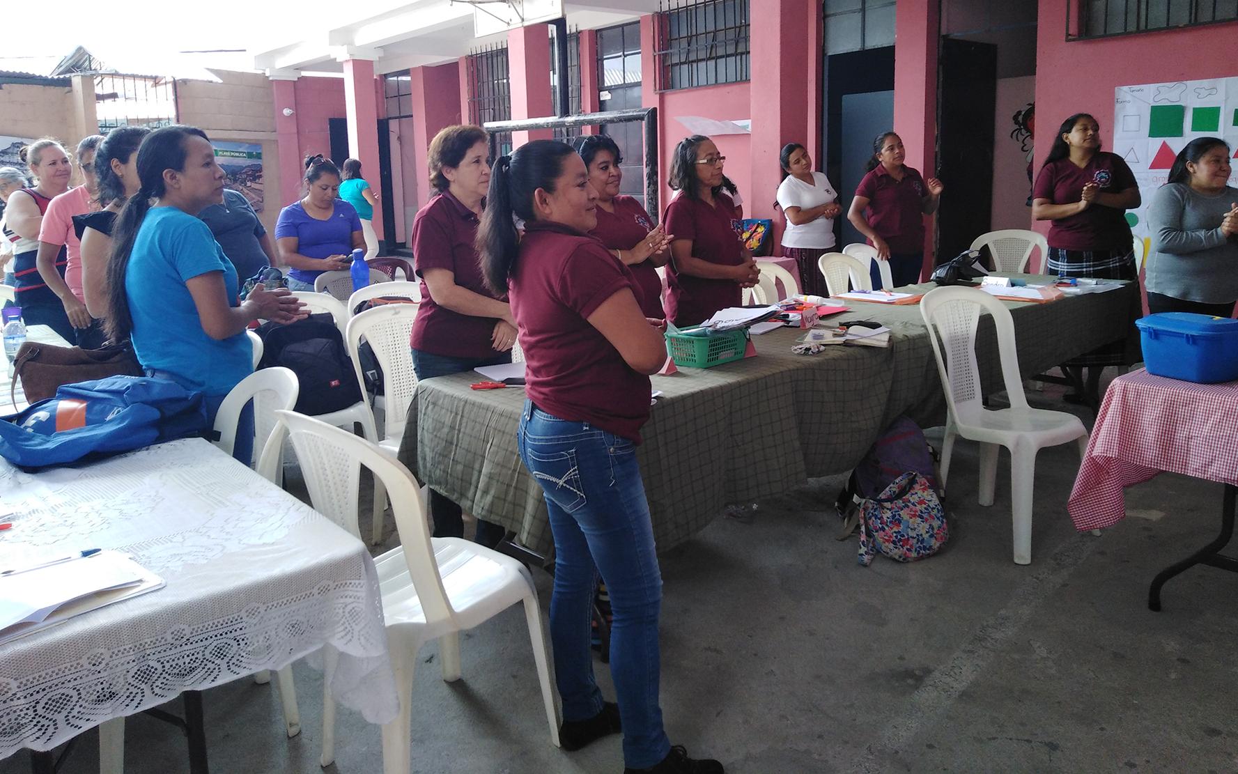 Diplomado de Primera Infancia realiza segundo taller con maestras de educación preprimaria