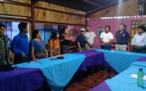 Adolescentes y jóvenes de Cambio Atitlán Tolimán hacen acuerdos en reunión con alcalde electo de San Lucas Tolimán, Sololá