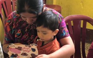 Madres guía replican conocimientos sobre temas de primera infancia en Santa Cruz la Laguna, Sololá