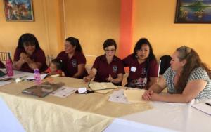 En Panajachel, Sololá, maestras de preprimaria continúan proceso de formación en educación inicial