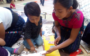 Feria «Juntos por la protección de la primera infancia» en aldea Chuisanto Tomás de Santa Catarina Ixtahuacán, Sololá