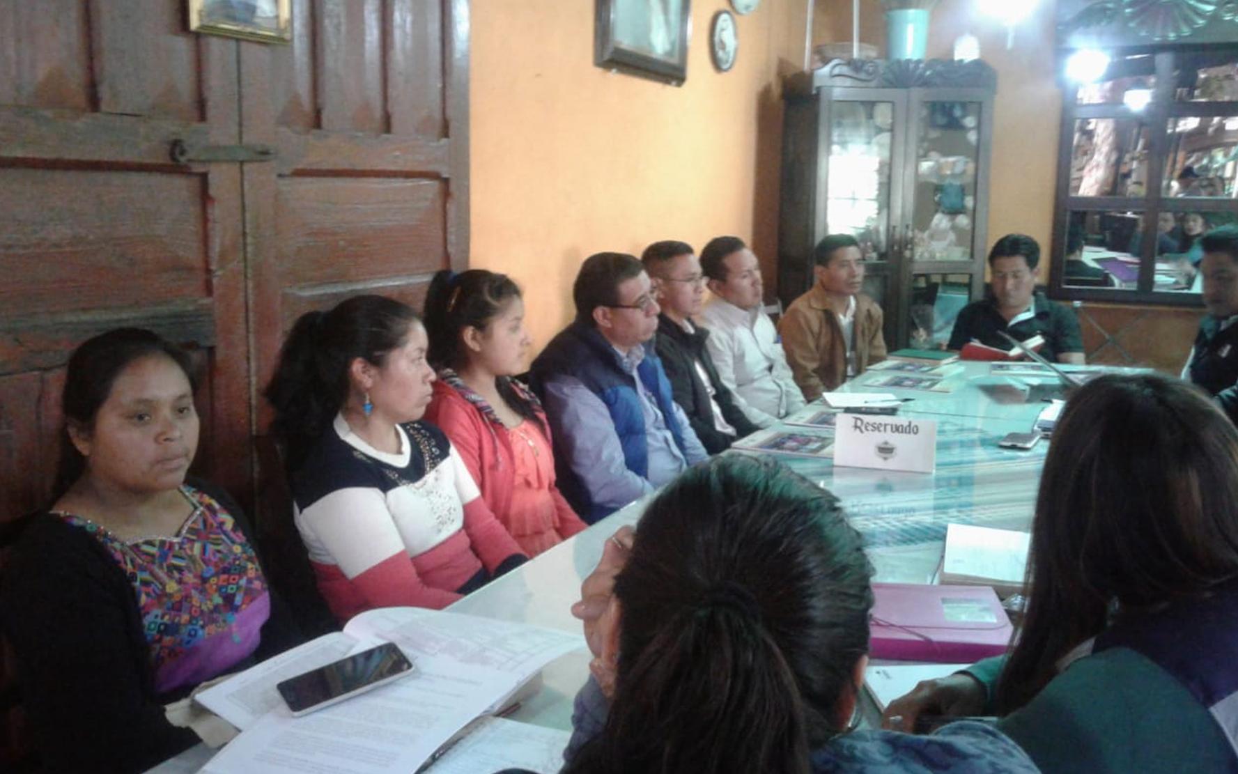 Autoridades electas de Nahualá, Sololá, participan en reunión con miembros de la Red NIV NAUC