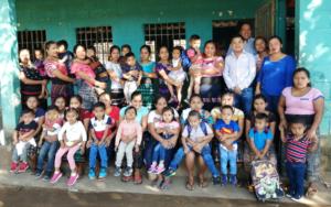 Madres participan en taller sobre primera experiencia escolar de hijos e hijas de primera infancia