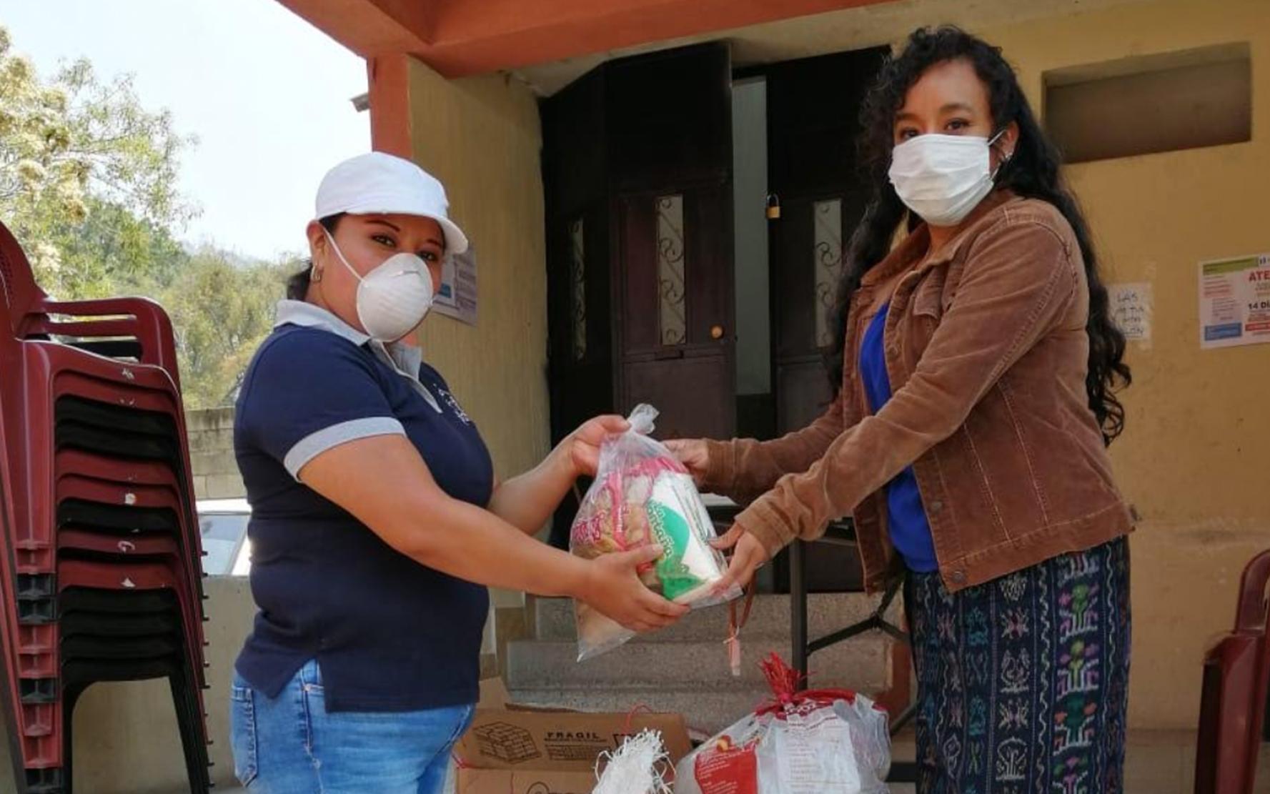 CDI Semilla hace entrega de insumos de nutrición a madres de familia, en Panajachel