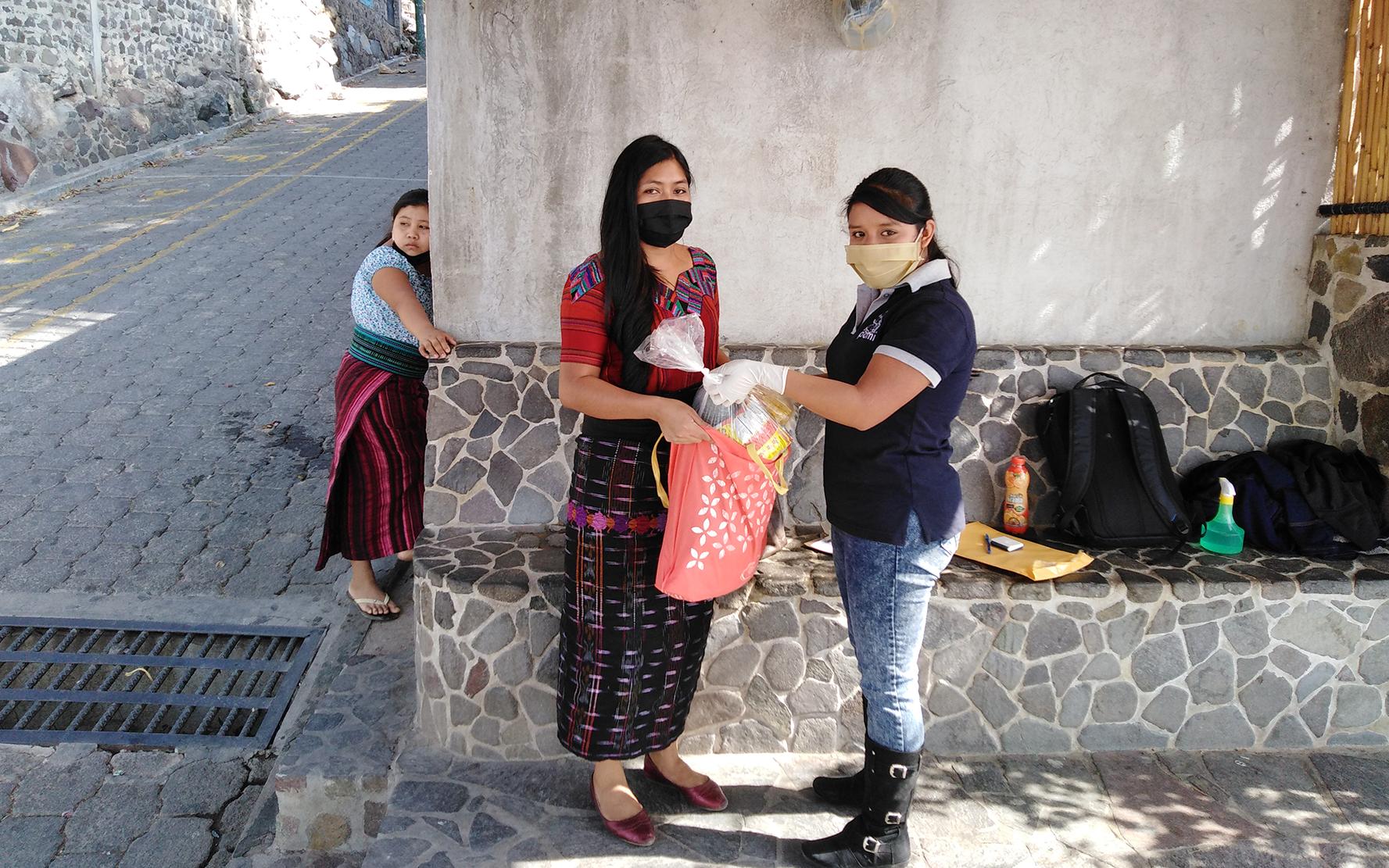 CDI Semilla hace entrega de insumos de nutrición en Santa Cruz La Laguna, Sololá