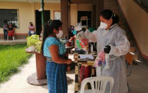 PAMI entrega insumos alimenticios y kits de limpieza a madres de Panajachel, Sololá