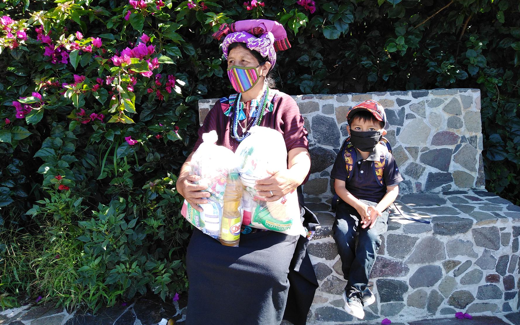 PAMI hace tercera y cuarta entrega de bolsas de ayuda humanitaria en Santa Cruz La Laguna, Sololá