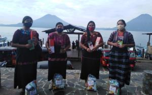 PAMI realiza quinta entrega de insumos alimenticios y lúdicos a madres del programa de primera infancia en Santa Cruz La Laguna
